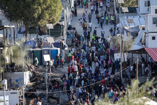 Μόρια: Γυναίκες διαδηλώνουν για τις συνθήκες διαβίωσης   tanea.gr