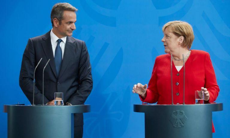 Δυσαρέσκεια Μητσοτάκη σε Μέρκελ για τη μη συμμετοχή στη Διάσκεψη του Βερολίνου   tanea.gr