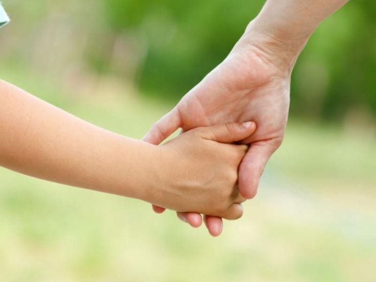 Μιχαηλίδου: Πιο γρήγορες οι διαδικασίες αναδοχής και υιοθεσίας από τον Φερβουάριο | tanea.gr