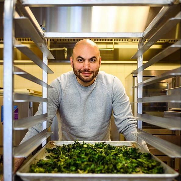 Ο σεφ που σέρβιρε πιάτα 350 δολαρίων μαγειρεύει πλέον για παιδιά σε σχολεία   tanea.gr