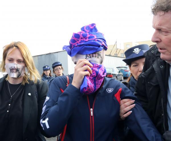 Κύπρος: Τέσσερις μήνες με αναστολή στη 19χρονη Βρετανίδα για «ψευδή ομαδικό βιασμό» | tanea.gr