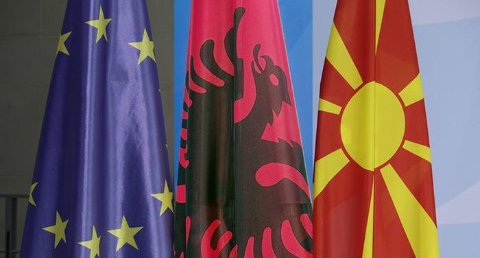 Η Κομισιόν θέλει να αρχίσουν ενταξιακές διαπραγματεύσεις με Β. Μακεδονία και Αλβανία | tanea.gr