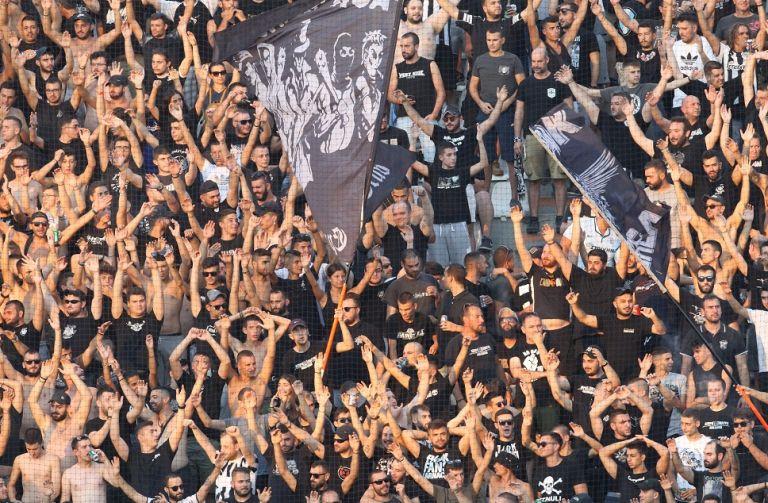 Κλήθηκαν σε απολογία οχτώ ομάδες της Super League | tanea.gr