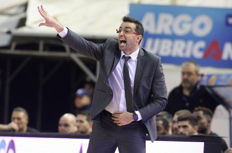 Χαραλαμπίδης: «Οι παίκτες μου έδειξαν φοβερό χαρακτήρα» | tanea.gr