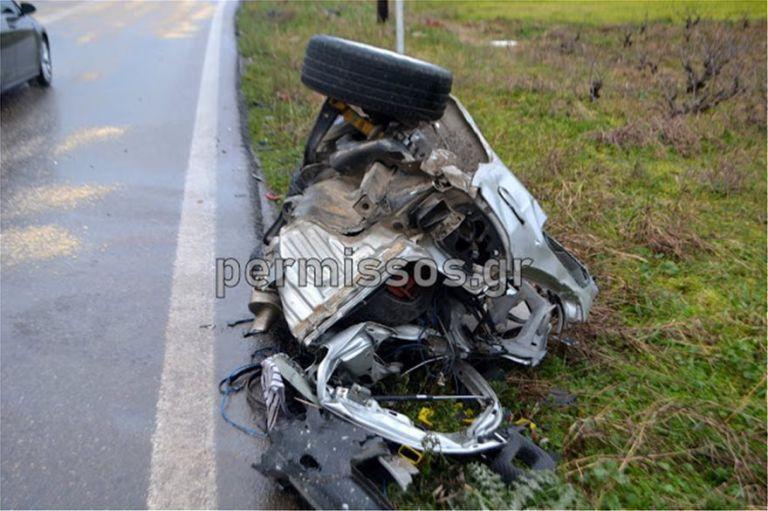 Νεκροί στη Λιβαδειάς – Θηβών: Σοκαριστικές εικόνες από το δυστύχημα | tanea.gr