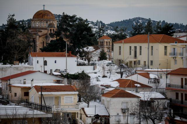 «Ηφαιστίωνας»: Στα λευκά ντύθηκε η μισή Ελλάδα | tanea.gr