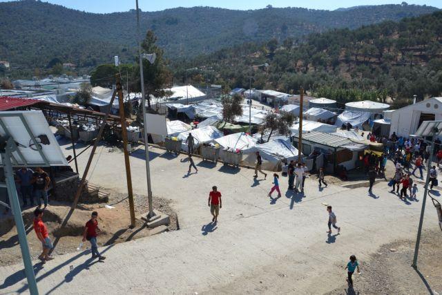 Ένταση στη Μόρια με αφορμή το θάνατο 20χρονου πρόσφυγα | tanea.gr