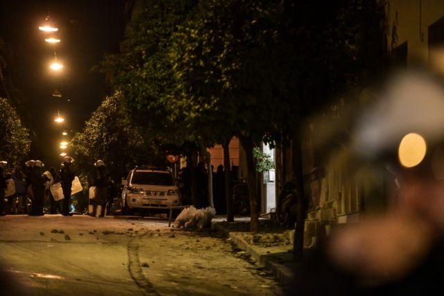 Πέντε συλλήψεις μετά την έφοδο της αστυνομίας στην κατάληψη «Ματρόζου» - «Ντροπή» φώναζαν οι γείτονες   tanea.gr