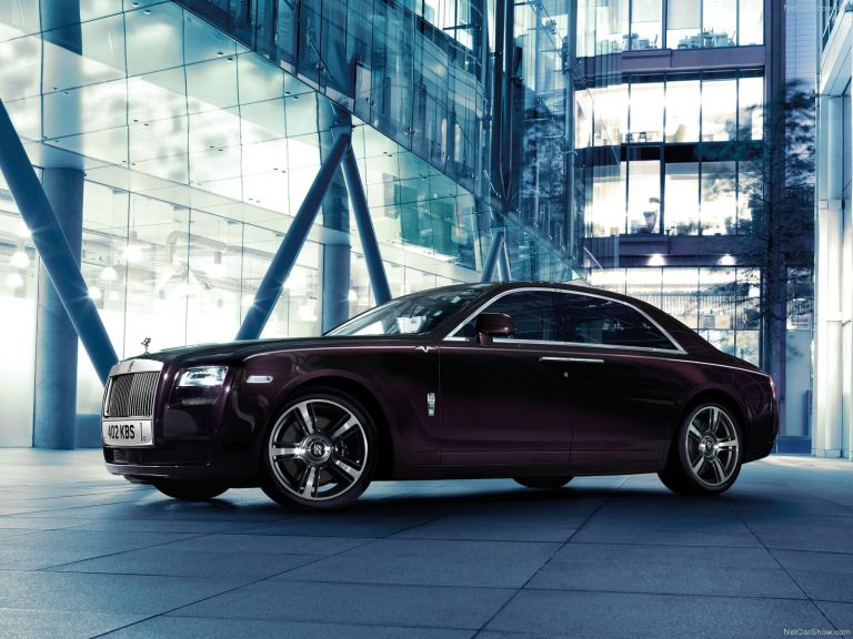Ξεπούλησαν τα μοντέλα της Rolls-Royce το 2019 | tanea.gr