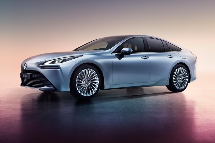 Το νέο υδρογονοκίνητο αυτοκίνητο της Toyota εξασφαλίζει αυτονομία 500 χλμ