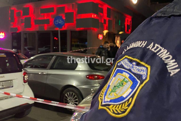 Ενέδρα έξω από κλαμπ στη Θεσσαλονίκη – Πυροβόλησαν τον υπεύθυνο ασφαλείας   tanea.gr