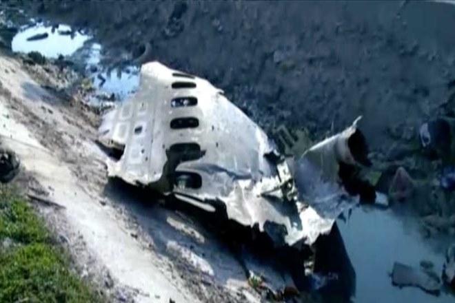 Αφγανιστάν: Μυστήριο με το αεροσκάφος που συνετρίβη – Δεν είναι πολιτικό λέει η Υπηρεσία Αεροπορίας   tanea.gr