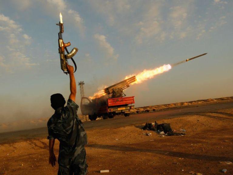 Σφοδρές μάχες Χαφτάρ - Σαράτζ με νεκρούς – Ενισχύει με οπλισμό η Τουρκία | tanea.gr