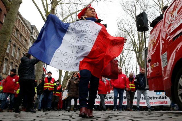 Γαλλία: Οργή για το συνταξιοδοτικό και την αστυνομική βία | tanea.gr