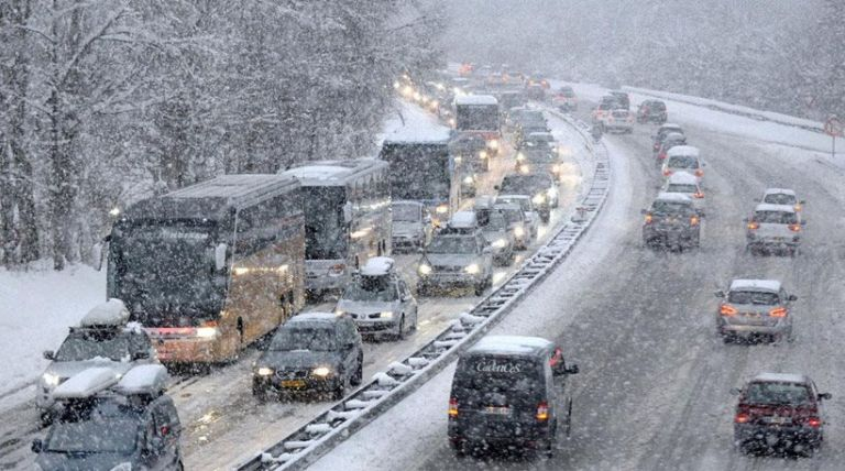 Δείτε πού χιονίζει τώρα – Λευκά τοπία από όλη την Ελλάδα   tanea.gr