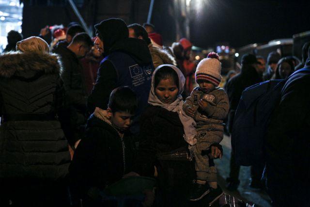 Συνεργασία της Αυτοδιοίκησης για επίλυση του μεταναστευτικού ζητά η κυβέρνηση | tanea.gr