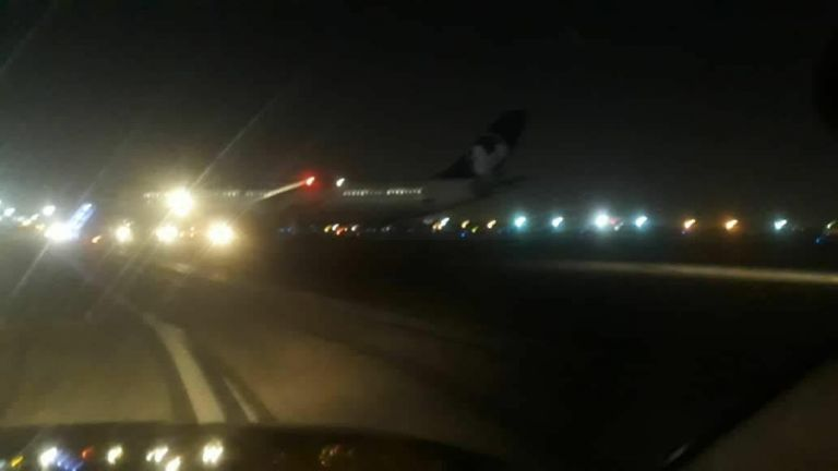 Ιράν: Αναγκαστική προσγείωση αεροσκάφους σε αεροδρόμιο της Τεχεράνης | tanea.gr