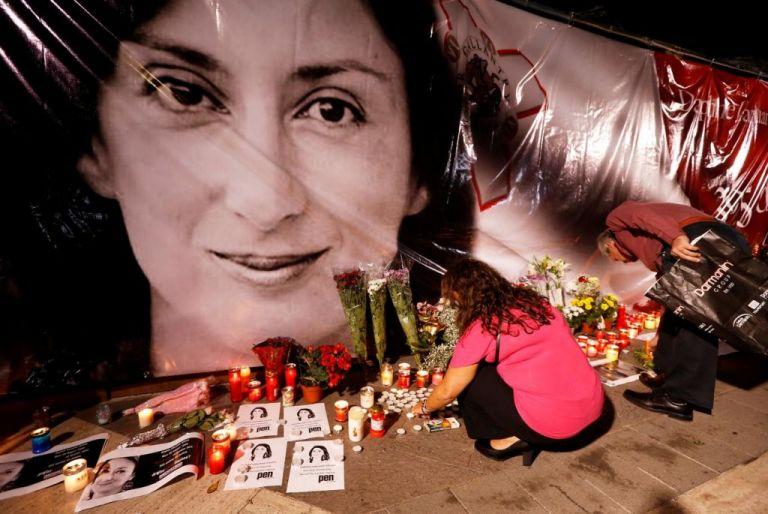 Μάλτα: Υπουργός παραιτήθηκε εξαιτίας σχέσεων τού συζύγου της με ύποπτο δολοφονίας   tanea.gr