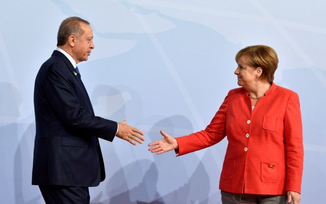 Εσπευσμένα στη Γερμανία ο Ερντογάν - Συνάντηση με τη Μέρκελ   tanea.gr