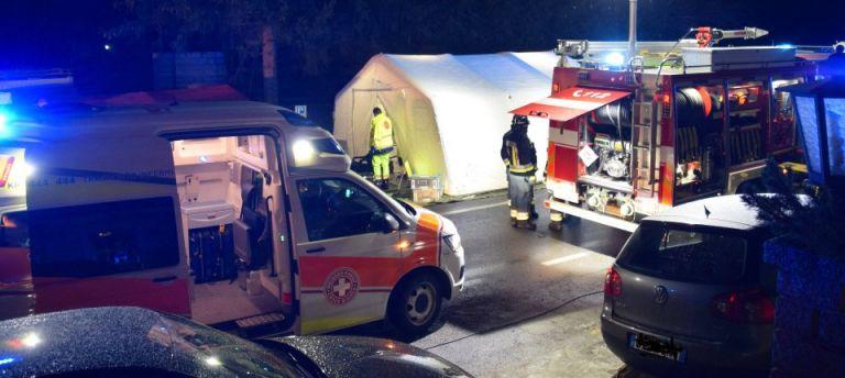 Ιταλία: Αυτοκίνητο παρέσυρε ομάδα τουριστών – 6 νεκροί και 11 τραυματίες   tanea.gr