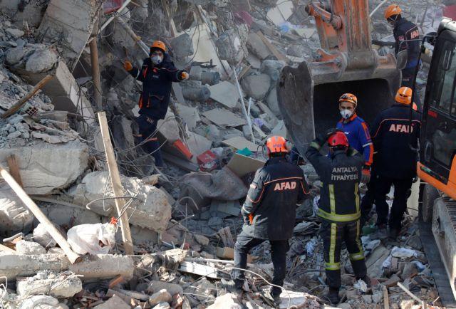Σεισμός Τουρκία: Σβήνουν οι ελπίδες για επιζώντες   tanea.gr