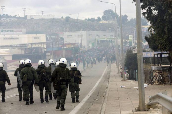 Σε κλοιό ασφαλείας η Μόρια – Σε επιφυλακή ΕΛ.ΑΣ. και Λιμενικό Σώμα | tanea.gr