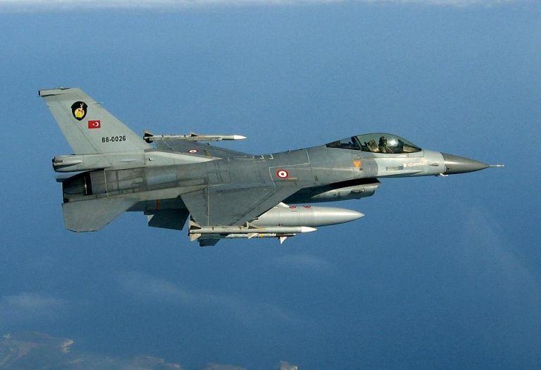 Δύο υπερπτήσεις από τουρκικά F-16 σε Αρκιούς και Λειψούς | tanea.gr