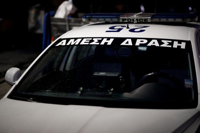 Πυροβολισμοί στο Αιγάλεω με έναν σοβαρά τραυματισμένο | tanea.gr