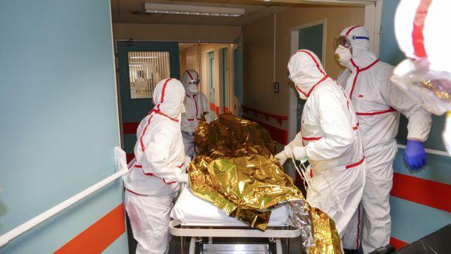Υποπτα κρούσματα κορωνοϊού σε Μυτιλήνη και Αθήνα - ΤΑ ΝΕΑ