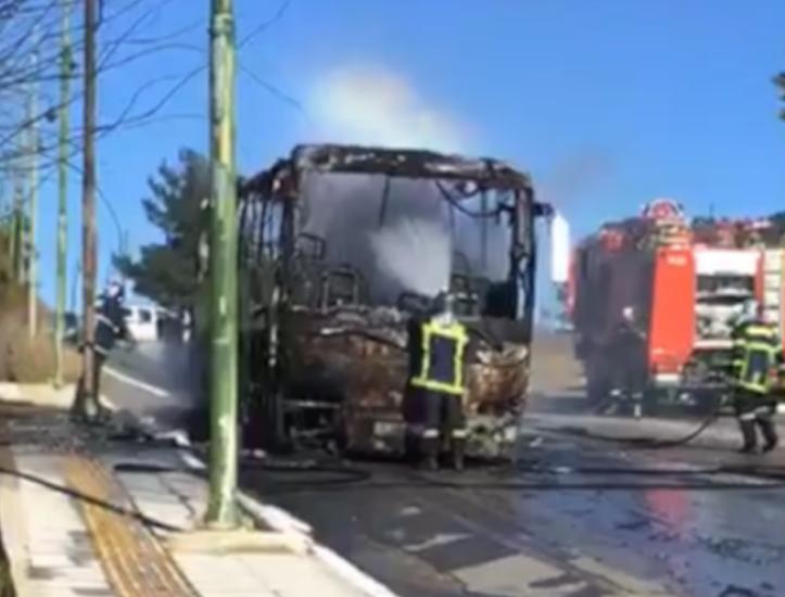 Φωτιά σε τουριστικό λεωφορείο στο Πολύκαστρο Κιλκίς | tanea.gr