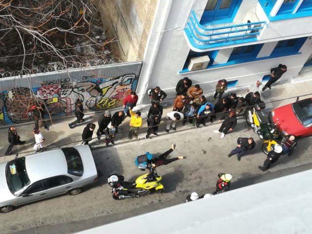 Σκηνές τρόμου μέρα μεσημέρι: Βίντεο – ντοκουμέντο από το κέντρο της Αθήνας | tanea.gr