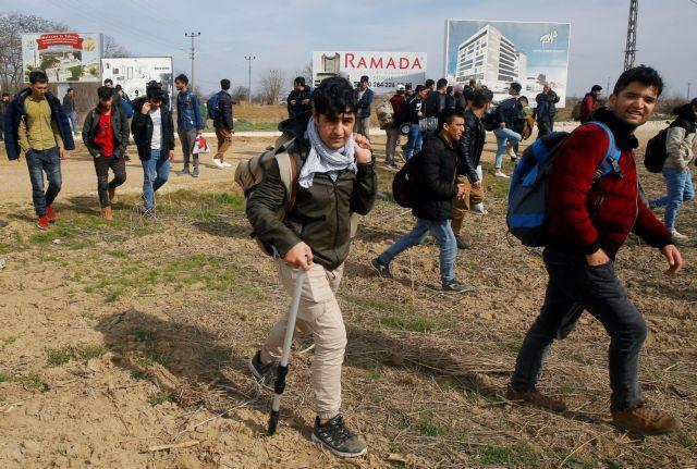Αποκάλυψη: SMS σε 120.000 μετανάστες να είναι έτοιμοι να περάσουν στην Ελλάδα | tanea.gr