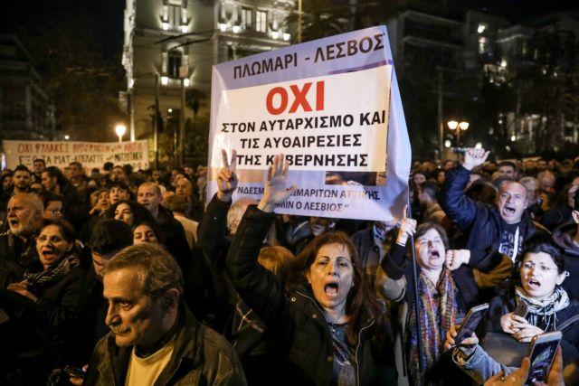 Εκτός ελέγχου: Αστυνομικοί υποστηρίζουν ότι απειλούνται με καραμπίνες | tanea.gr
