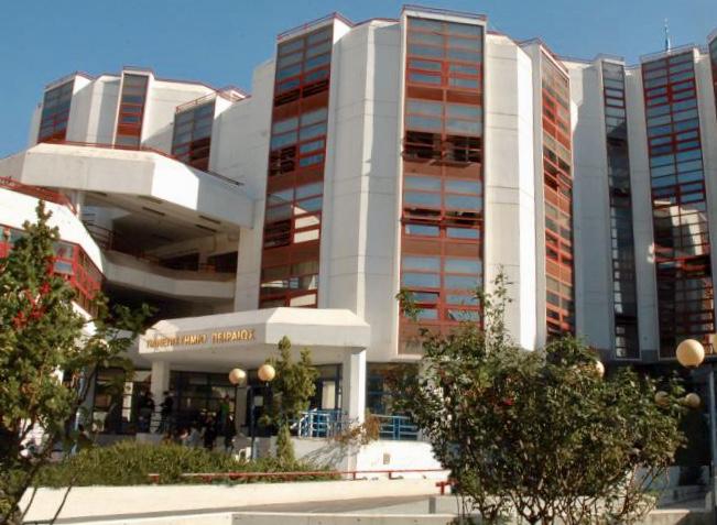 Πανεπιστήμιο Πειραιά: Αγνωστοι κατέστρεψαν τα γραφεία της ΔΑΠ | tanea.gr