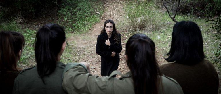 Η Ιωάννα Νιάχα συστήνει τον «Τελευταίο αντάρτη» | tanea.gr