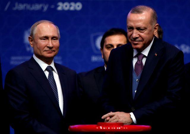 Ερντογάν σε Πούτιν: Υπεύθυνος ο Ασαντ για τη συγκέντρωση προσφύγων στα σύνορά μας | tanea.gr