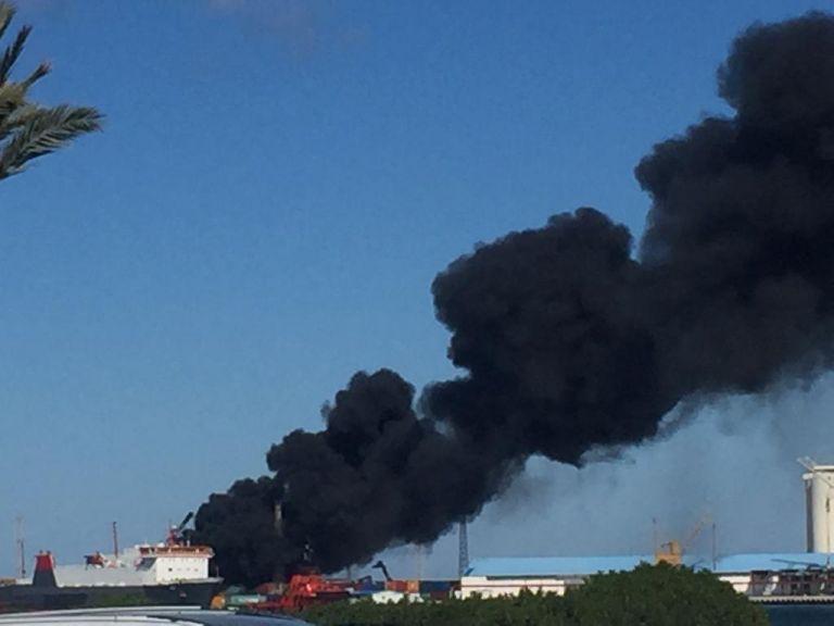 Λιβύη: Ο στρατός του Χαφτάρ βομβάρδισε τούρκικο πλοίο στο λιμάνι της Τρίπολης | tanea.gr