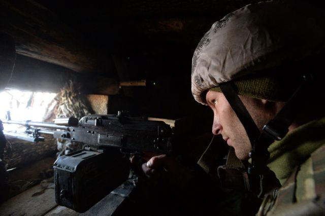 Ουκρανία: Ανταλλαγή πυρών με νεκρό στρατιώτη και τέσσερις τραυματίες | tanea.gr
