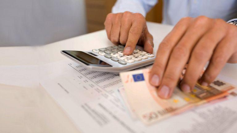 Εξωδικαστικό συμβιβασμό για πρόστιμα από την Εφορία προωθεί το υπουργείο Οικονομικών | tanea.gr