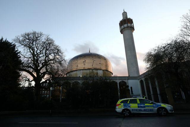 Βρετανία: Μαχαίρωσαν άνδρα σε τζαμί στο Λονδίνο | tanea.gr