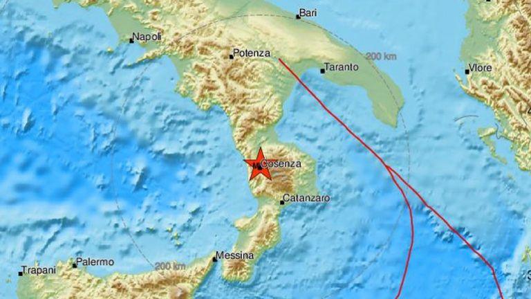Σεισμός 4,8 Ρίχτερ ταρακούνησε τη νότια Ιταλία | tanea.gr