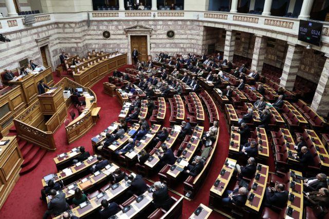 Κορωνοϊός: Πληροφορίες για δύο ύποπτα κρούσματα στη Βουλή | tanea.gr