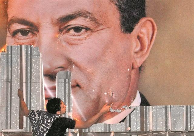 Ο έκπτωτος πρόεδροςμε τη σιδηρά πυγμή | tanea.gr