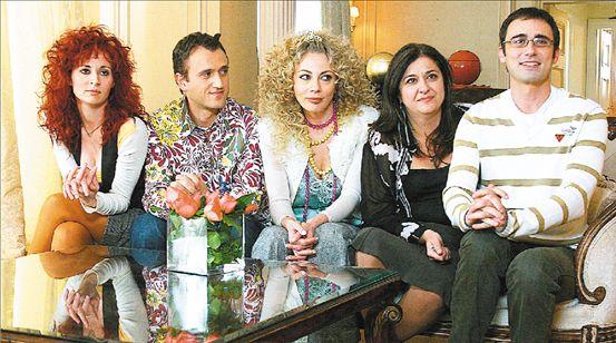 «Παρά Πέντε»: Συγκινητικό reunion των πρωταγωνιστών της αγαπημένης σειράς | tanea.gr