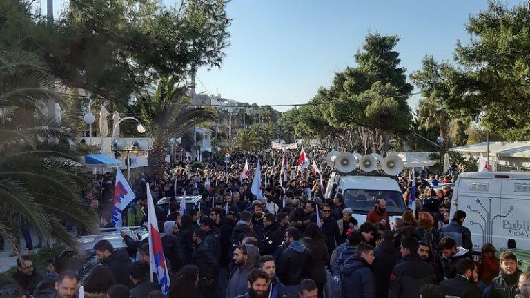 Μετ' εμποδίων το συνέδριο της ΓΣΕΕ : Έναρξη με διαδήλωση και ΜΑΤ | tanea.gr