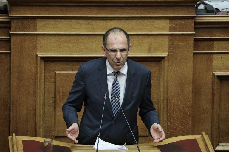 Συμφωνία Γεραπετρίτη με UEFA για το ελληνικό ποδόσφαιρο | tanea.gr