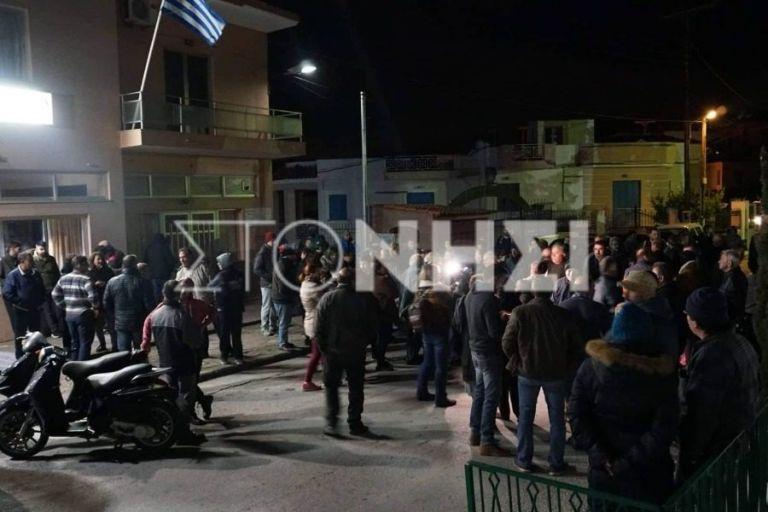 Νέα ένταση στη Μόρια με 300 Αφγανούς | tanea.gr