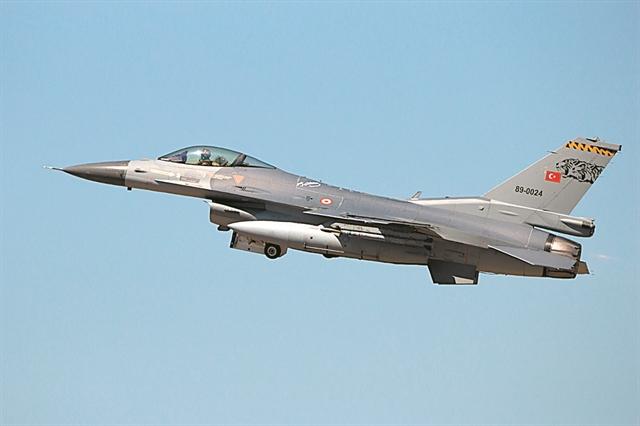 Μπαράζ υπερπτήσεων από τουρκικά F-16 στο Αιγαίο | tanea.gr
