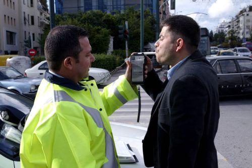 Πάνω από 440 παραβάσεις για οδήγηση υπό την επήρεια αλκοόλ   tanea.gr