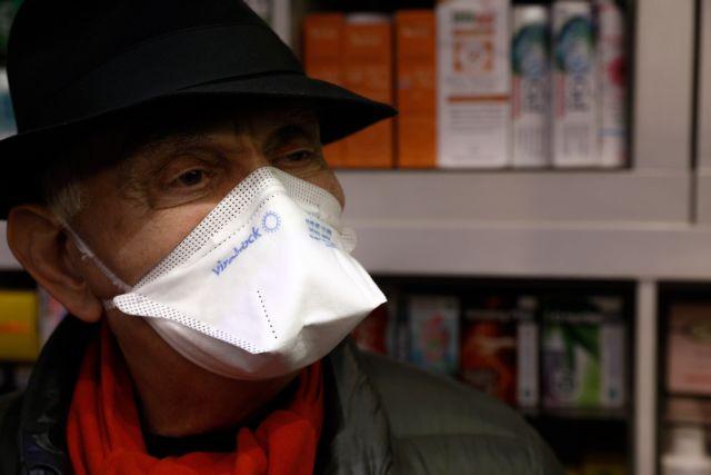 Κορωνοϊός: Ανάρπαστες οι μάσκες στα φαρμακεία της Πάτρας | tanea.gr